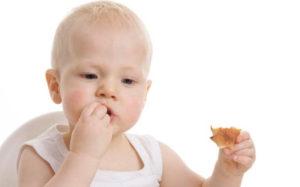 trocear alimentos infancia